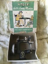 Vintage Antique Singer Sewing Machine No. 20 in original box - Made in USA