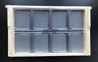 Ein Wabenhonig Rähmchen DNM Deutsch Normalmaß 394x223 mit 16 Kassetten + Deckel