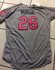 2016 Royals Game Issued Grey Mothers Day Jersey No. 26, ( Mike Minor)