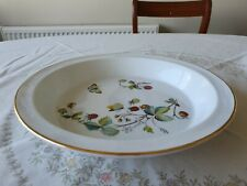 ROYAL WORCESTER 'STRAWBERRY FAIR'  RIMMED PIE DISH
