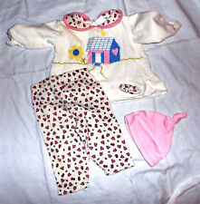 me and the gang 3 month size 2 piece pink flowered applique hat socks