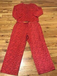 Women's Red Faux Fur 2 Piece Pajamas Set. Size XXL
