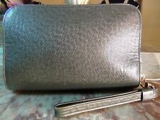 US seller Authentic LOUIS VUITTON TAIGA BAIKAL CLUTCH WRISTLET BAG dark green LV