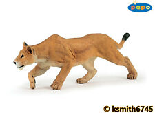 Papo PROWLING LIONESS solid plastic toy wild zoo animal cat lion chasing NEW 💥