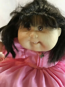 VINTAGE CABBAGE PATCH DOLL with CORN SILK HAIR & EXTRA SET OF CLOTHES