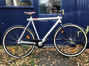 Designer Dutch VanMoof no.3 Bicycle 700c wheels large frame excellent condition