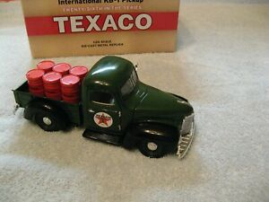 Texaco 1947 International KB1 toy truck