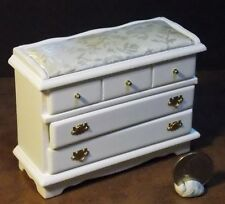 Dollhouse Miniature Changing Table Ivory Top 1:12 inch scale E80 Dollys Gallery