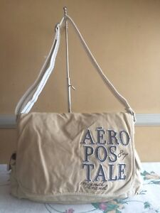 AEROPOSTALE Build-up Messenger Bag
