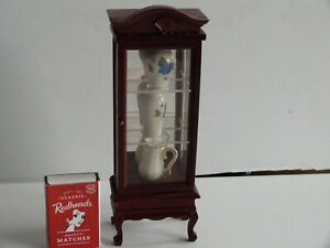 Doll's House Furniture Mirrored Display Cabinet with 2 Vases & 1 Jug.