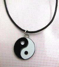Un cavo di cera Feng Shui Cinese Ying/Yin Yang AMULETO Collana Fascino Ciondolo.