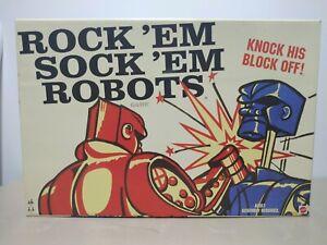 ROCK' EM SOCK' EM ROBOTS Classic Retro Boxing Action Game 2014 Mattel
