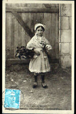 VILLEDIEU-sur-INDRE (36) ENFANT FILLE Berrichonne costumée en 1951