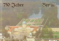 Berlin  -  Luftbildpanorama Schloss Charlottenburg mit Schlossgarten  -  1985