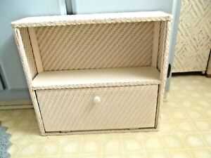 VINTAGE WHITE WICKER WALL SHELF WITH DOOR~COTTAGE STYLE