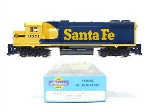 HO Scale Athearn 4608 ATSF Santa Fe GP38-2 Diesel Locomotive #3571