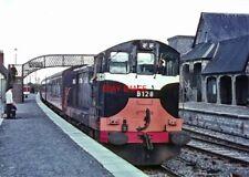 PHOTO  IRISH RAILWAY - CIE LOCO NO  B128 PORTARLINGTON 05.1971 (2)