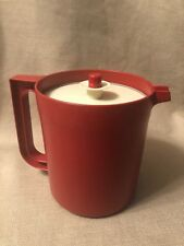Tupperware Pitcher Go Between 1.5 Quart Cranberry Jug 1575 Almond Seal 802-1