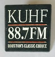 KUHF 88.7 FM Houston Texas Radio Souvenir Vintage Pin Badge Rare (D4)