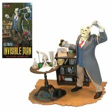 Invisible Man 1:8 Scale Model Kit-New in Box