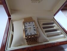 Gents 9ct Gold Accurist Bracelet Watch in superb condition.