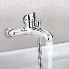 Lavabos y grifos de baño color principal plata sin anuncio de conjunto