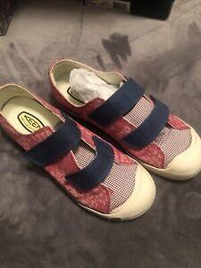 keen shoes Women Size 11