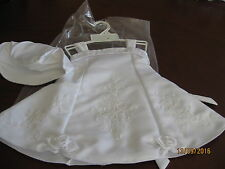 LOVELY BABY GIRL'S DRESS & MATCHING HAT - WHITE EMBROIDERY & ROSES 00 - 6M
