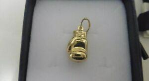 18ct Gold Boxing Glove Pendant