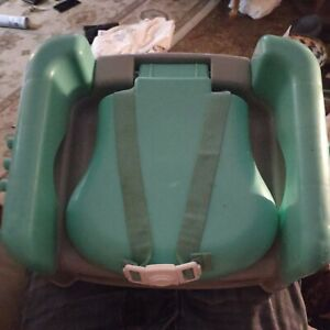 DLX 1st SIT SNACK AND GO CONVERTIBLE BOOSTER SEAT BO060CWRAAA