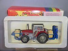 BRITAINS No.9607 Massey Ferguson MF3680 tracteur avec Crop Sprayer partie-COFFRET