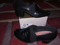 NEW $84 Womens Clarks Emslie Chara Shoes, size 10 Medium