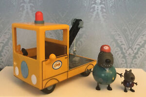 PEPPA PIG GRANDAD DOG RECOVERY TRUCK WITH SOUNDS & GRANDAD & DANNY DOG FIGURES