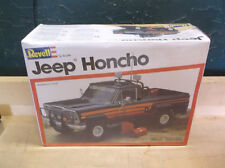 Vintage Jeep Honcho Revell 1/25 Model Car Kit 7313