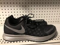 Nike Zoom Pegasus 31 Boys Athletic Running Shoes Size 6.5Y Womens 8 Black Gray