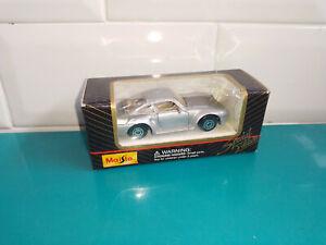 0407212 Voiture miniature 3 inch inches Maisto en boite porsche 956 grise