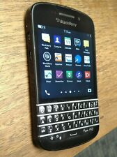 BlackBerry Q10 - 16GB - Black Smartphone - Locked to Bell - Good condition