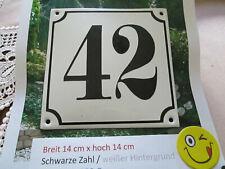 Hausnummer Emaille Nr. 42 schwarze Zahl auf weißem Hintergrund 14 cm x 14 cm