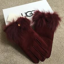 UGG AUSTRALIA PORT SUEDE BOW GLOVES WATER RESISTANT SIZE MEDIUM BNIB