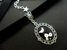 A LADIES GIRLS 10MM BLACK VELVET & SILVER BIRD CAMEO CHOKER NECKLACE . NEW.