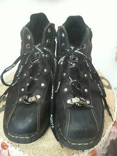 Roots Black Leather Alpine Hiking Boot with Logo Laces size 41, fit more like 40