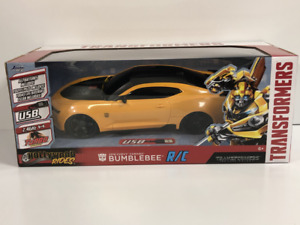 Bumblebee 2016 Chevy Camaro R/C Transformers 1:16 Scale Jada 30332