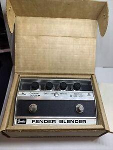 VINTAGE 70s FENDER BLENDER 96.100 W/ORIGINAL BOX (2-73)