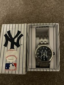 New York Yankies Game Time Watch