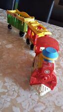 ANCIENS , jouet train ; CIRCUS-TRAIN;  Fisher price ; 2 wagons ; annees 70