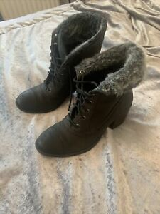 Women's Clerks Boots Leather Size 5 1/2
