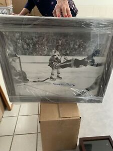 BOBBY ORR THE GOAL AUTOGRAPHED FRAMED PHOTO BOSTON BRUINS '70 STANLEY CUP 19x23