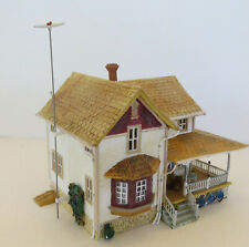 HO Landmark Structures Corner Porch House (Missing Light) Cottage/Victorian