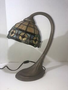 Tiffany Style Stained Glass Lamp Multicolor Desk Boudoir Lamp 2/2 Excellent