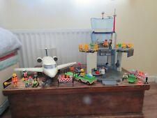 Playmobile aeropuerto, avión y muchos accesorios